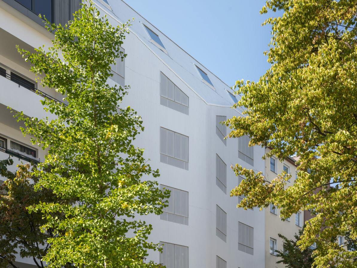 Wohnhaus Eisberg_holz-Hybrid_Berlin-Moabit_brandschutz plus eberl-pacan brandschutzplaner_Foto Gui Rebelo_Perspektive