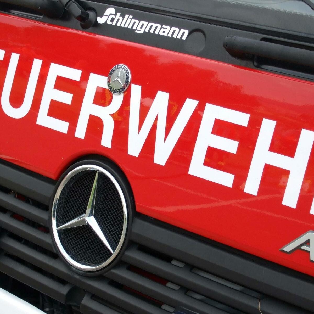 feuerwehrwagen2_Der abwehrende Brandschutz - eine wichtige Aufgabe der Feuerwehr Foto_Archiv