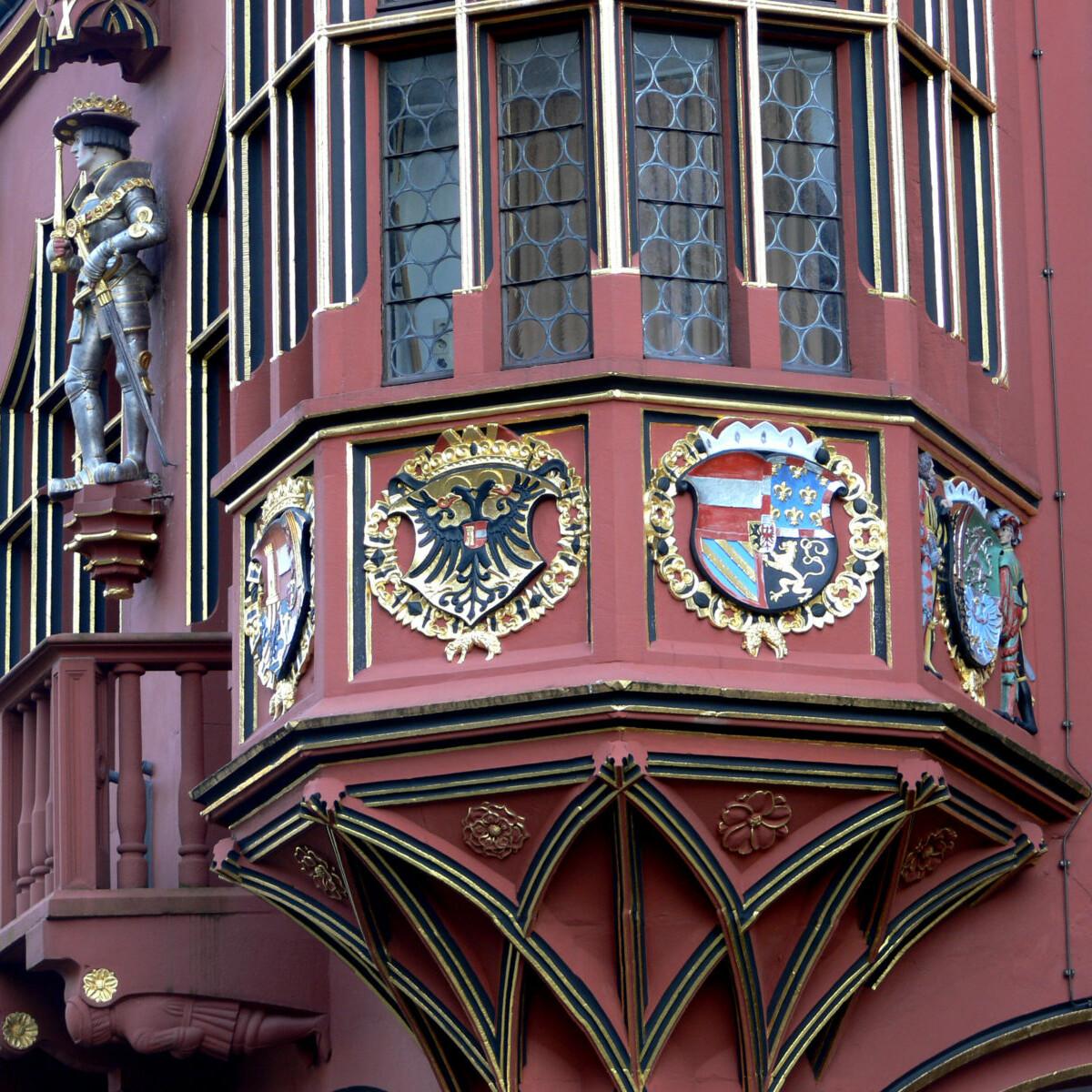 Erker an einem Haus in Freiburg im Breisgau Foto_Andreas Praefcke_freiburg_kaufhaus_erker
