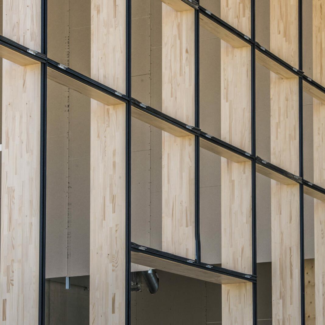 Jowat Detmold Holzbau Industrie_brandschutz plus eberl-pacan brandschutzplaner_Detail Pfosten-Riegel-Konstruktoion Fassade (c)Züblin Timber(1)