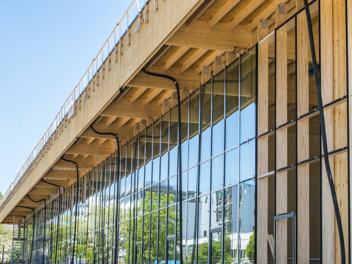 Jowat Detmold Holzbau Industrie_brandschutz plus eberl-pacan brandschutzplaner_Pfosten-Riegel-Konstruktoion Fassade (c)Züblin Timber(1)