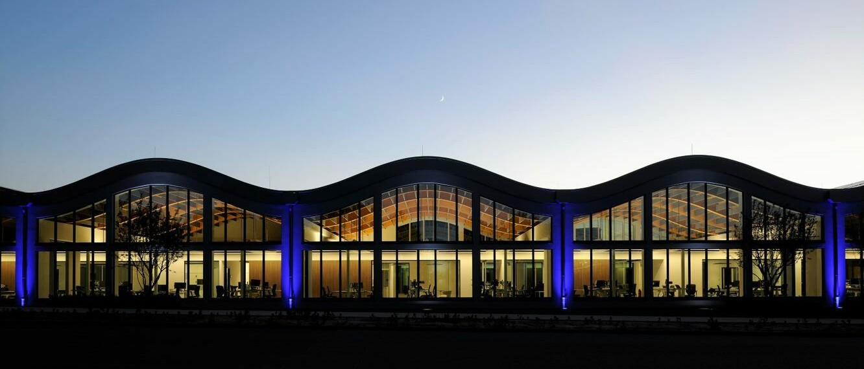 IT-Campus Paderborn_beleuchtet_Ansicht außen nacht_2019