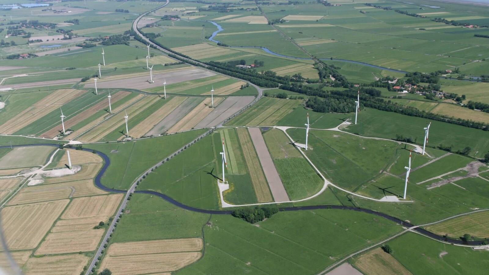 https://brandschutzplus.de/wp-content/uploads/2021/02/luftbildfriesland_Friesland-ist-schoen_Foto_Walter-Rademacher.jpg
