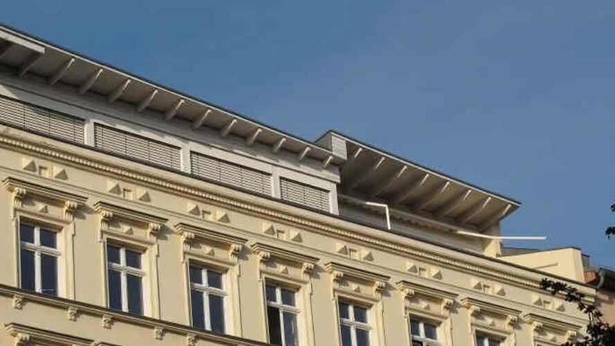 oderbergerstrdachausbau02gro_Dachgeschossausbau in der Oderberger Straße Foto-Inidia.de